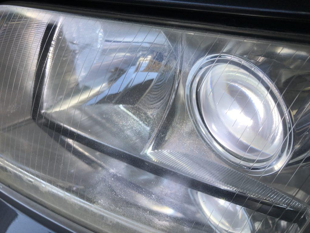 アウディRS6 ヘッドライトのクラックは除去出来ます。