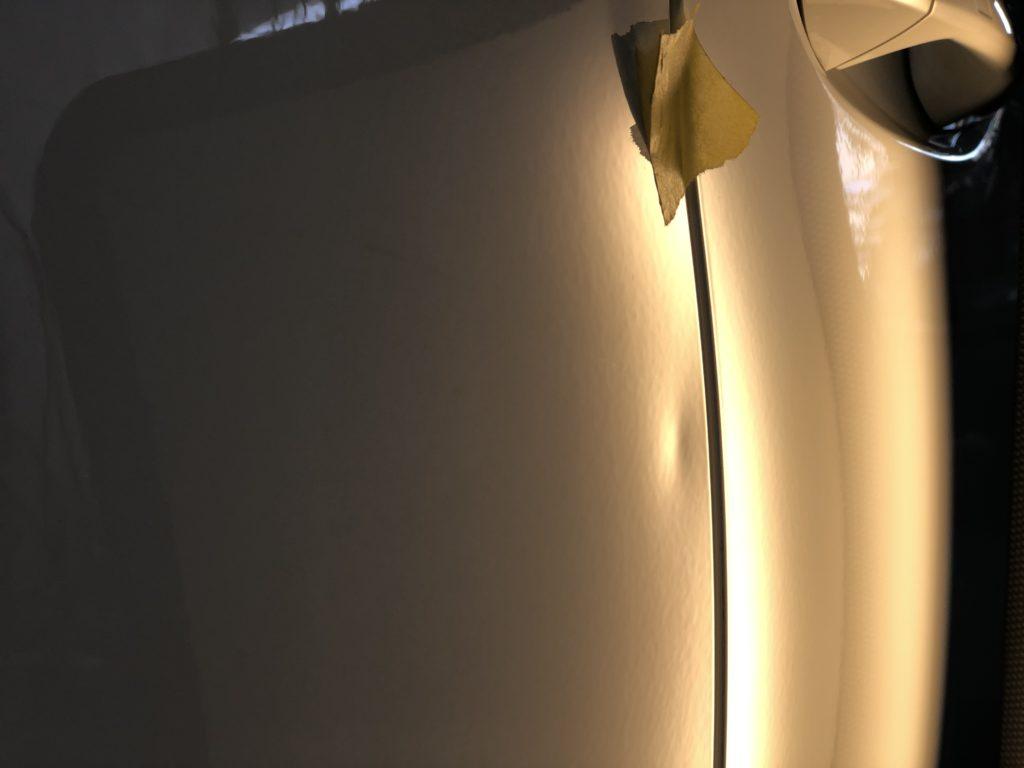 ベンツEクラス リヤドアのヘコミ修理