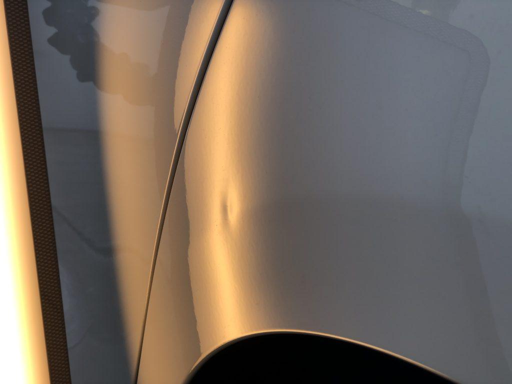 BMW218d クォーターパネルのデントリペア