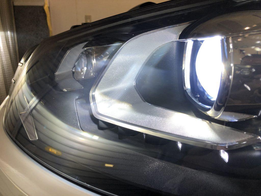 フォルクスワーゲンのヘッドライトクラック・ひび割れは全て除去可能になります。