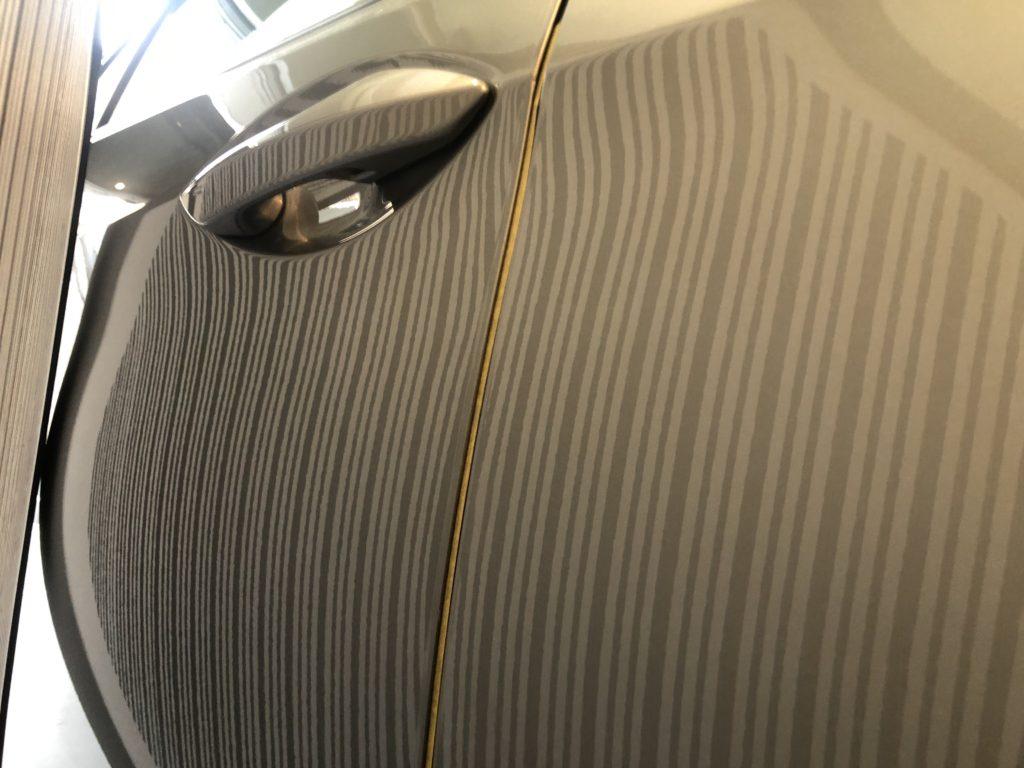 レクサスRX450h リヤドアの深いヘコミのデントリペア
